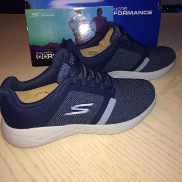 NIB Men s Navy Skechers Performance Sneakers 8.5 0ea82223af